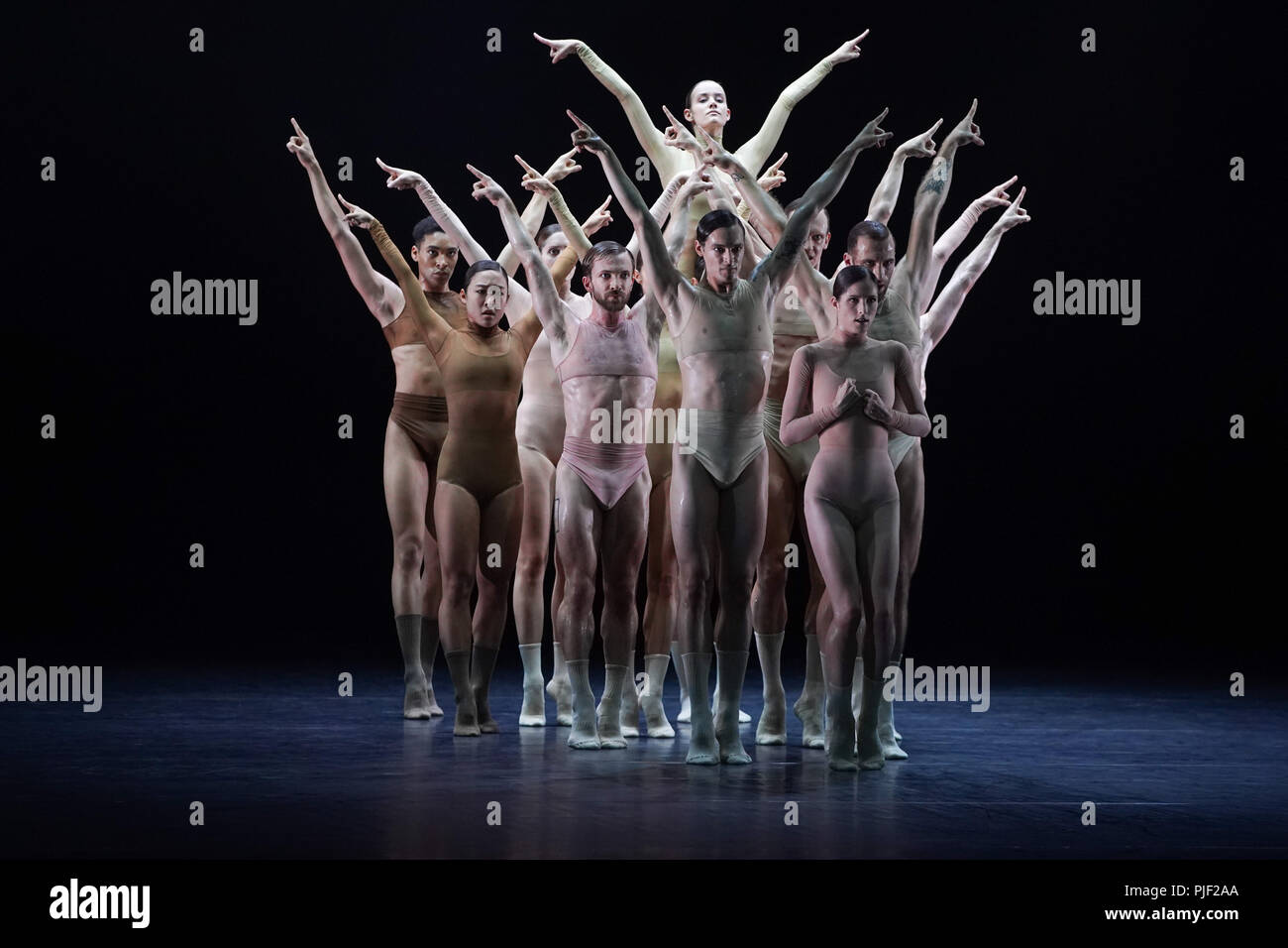 Berlin, Germany. 06th Sep, 2018. Dancers of the Staatsballett Berlin present the choreography 'Half Life' in the Komische Oper. The play will premiere on 7 September 2018. Credit: Jörg Carstensen/dpa/Alamy Live News - Stock Image