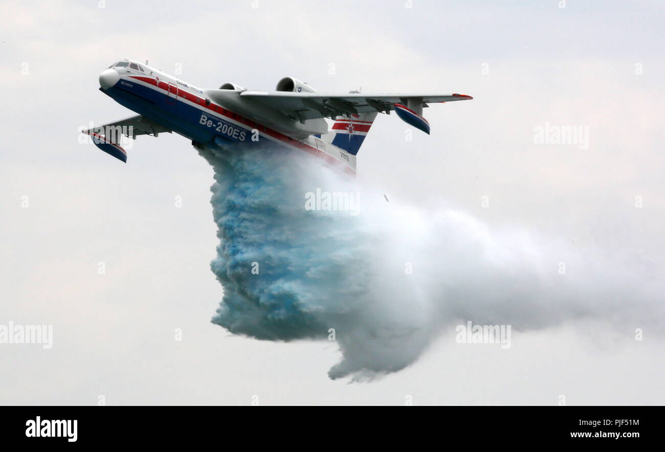 Gelendzhik, Russia. 06th Sep, 2018. KRASNODAR TERRITORY, RUSSIA - SEPTEMBER 6, 2018: A Beriev Be-200ES-E amphibious aircraft drops water at the 2018 Hydroaviasalon International Exhibition of Hydroaviation held in the town of Gelendzhik, Krasnodar Territory. Marina Lystseva/TASS Credit: ITAR-TASS News Agency/Alamy Live News - Stock Image