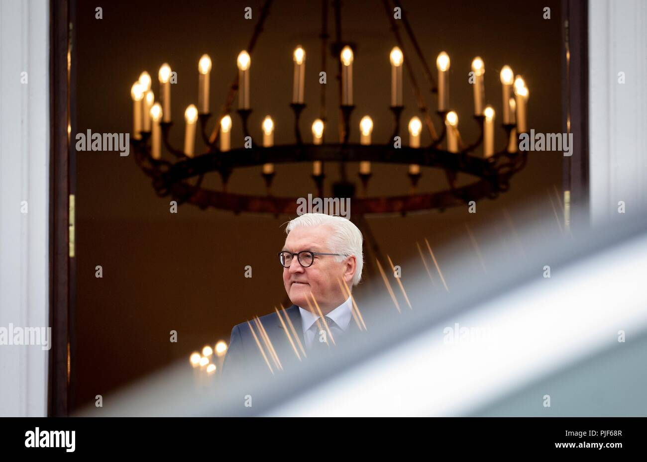 Berlin, Germany. 07th Sep, 2018. 07.09.2018, Berlin: Federal President Frank-Walter Steinmeier is waiting for the Emir of Qatar at the entrance to Schloss Bellevue. Credit: Kay Nietfeld/dpa/Alamy Live News - Stock Image