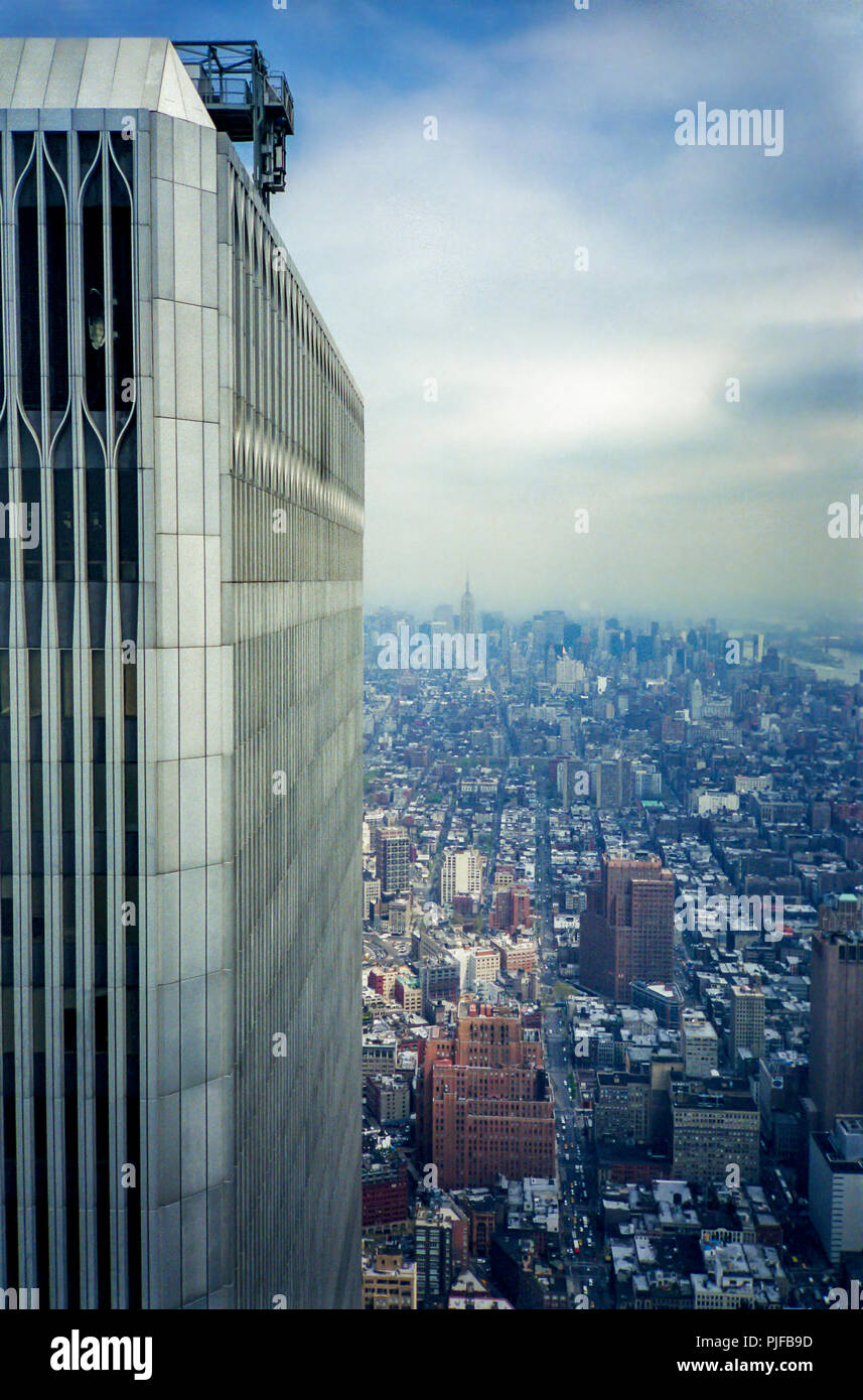 A view of New York City and the top of one of the Twin Towers of the World Trade Center in 2000. - Stock Image