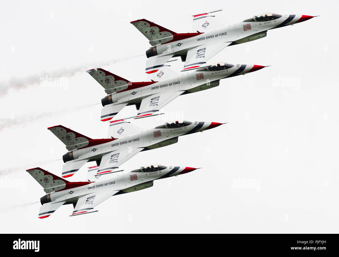 F-16 Fighting Falcon, precision formation flying by the US Air Force Thunderbirds - Stock Image