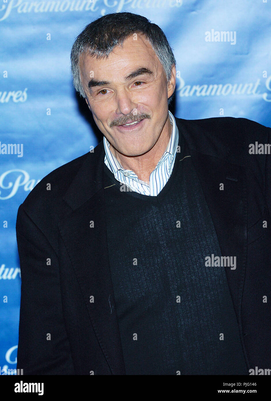 Burt Reynold arriving at the Paramount Pictures Star-Studded Showest Dinner at the Paris Hotel in Las Vegas. March 24, 2004.ReynoldBurt003 Event in Hollywood Life - California, Red Carpet Event, USA, Film Industry, Celebrities, Photography, Bestof, Arts Culture and Entertainment, Topix Celebrities fashion, Best of, Hollywood Life, Event in Hollywood Life - California,  movie celebrities, Topix, Bestof, Arts Culture and Entertainment, vertical, - Stock Image