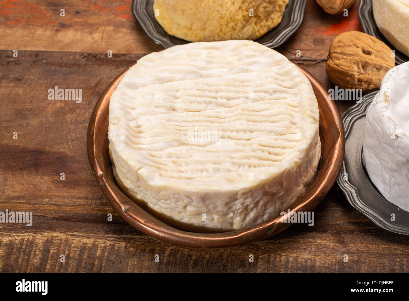 Camembert Moist Soft Creamy Surface Ripened Cow S Milk Cheese Made In Normandy Northern France Stock Photo Alamy