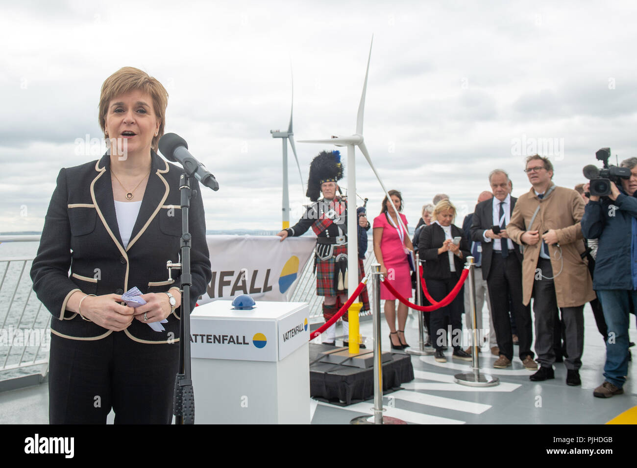 First Minister Nicola Sturgeon opens Vattenfall's European Offshore Wind Deployment Centre (EOWDC) off the coast of Aberdeen. - Stock Image