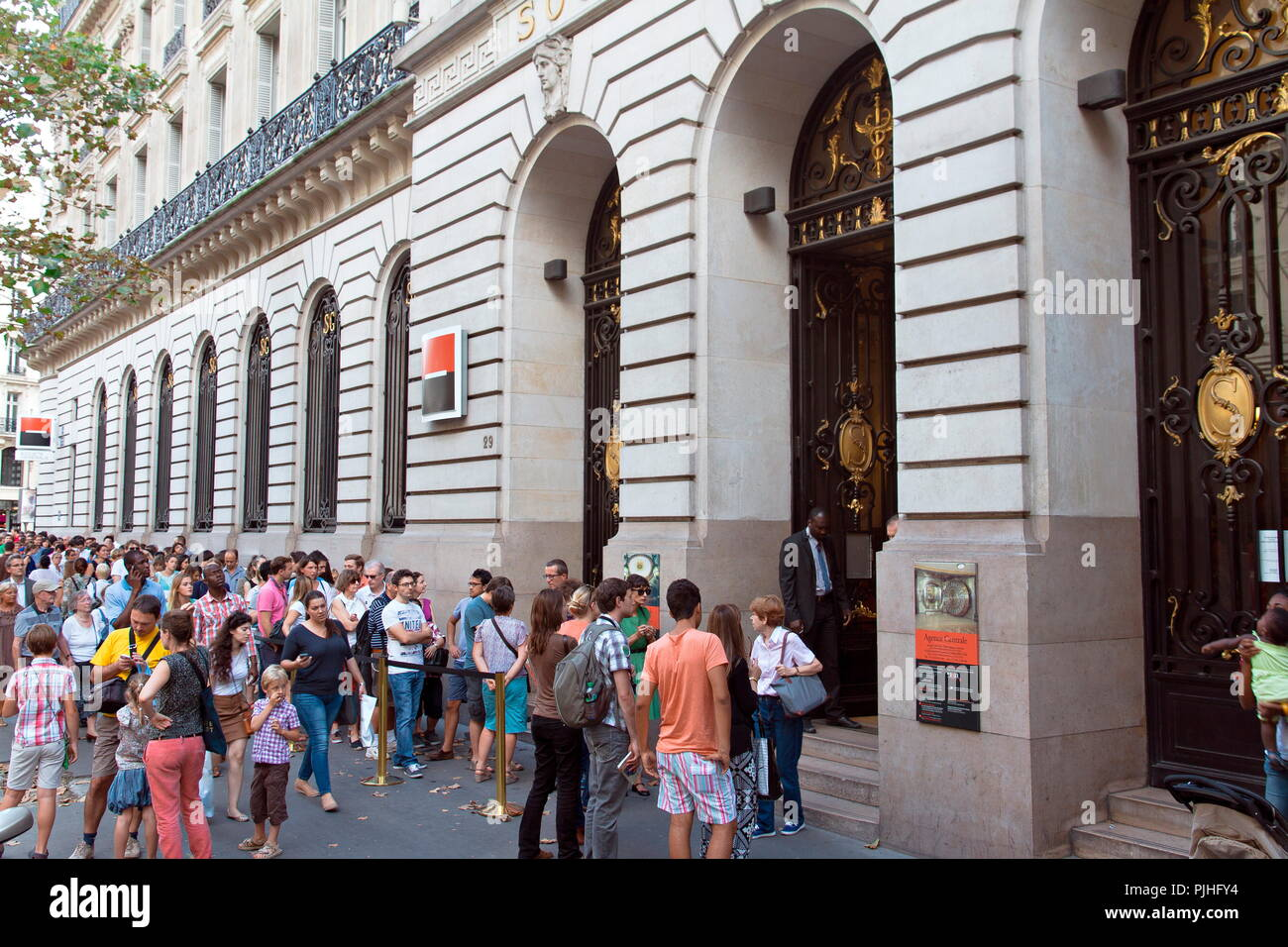 France, Paris,  Haussmann boulevard 9th arrondissement, 2014 European Heritage Days, queing in front of Societe Generale Bank for visiting - Stock Image