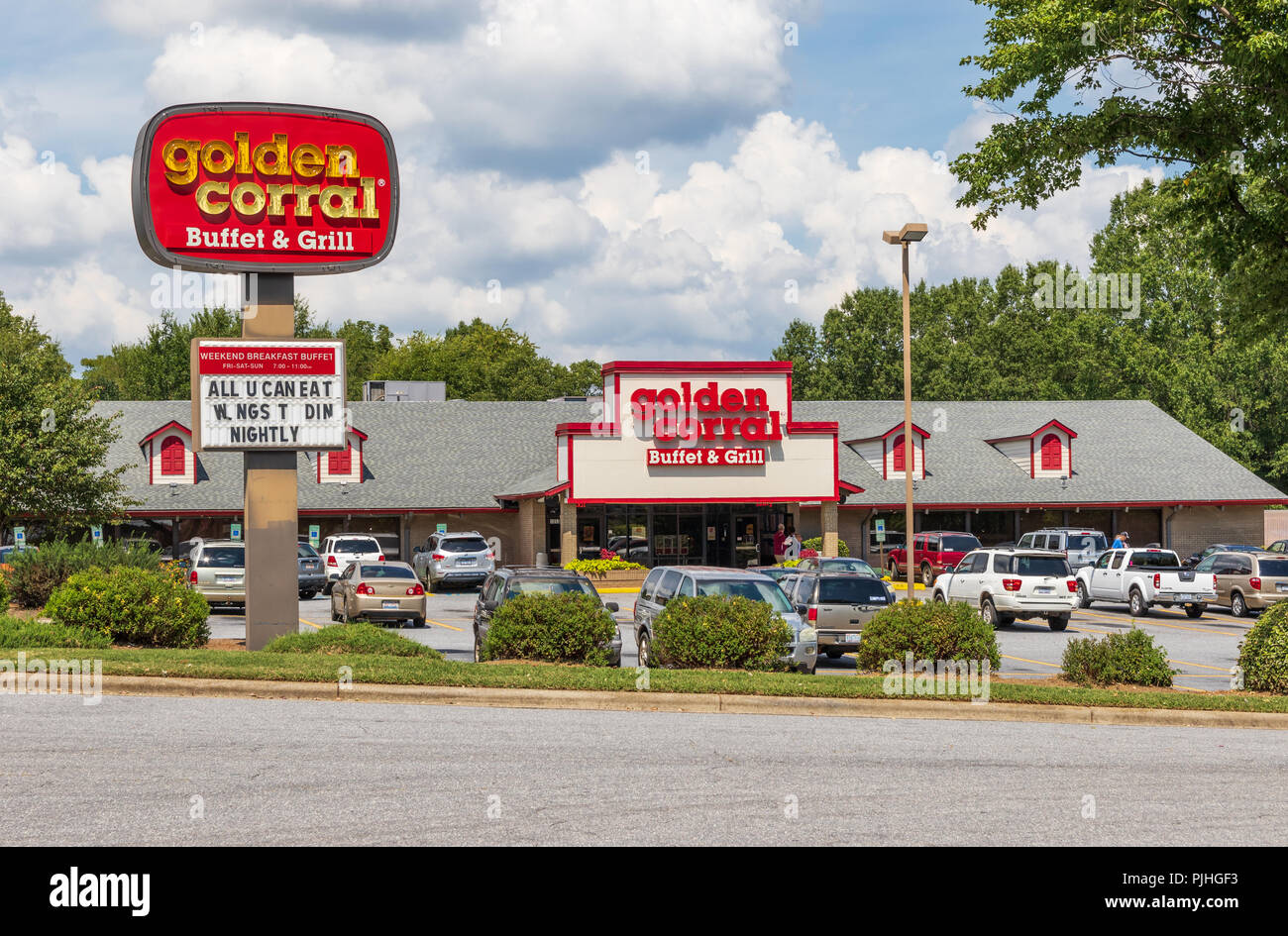 HICKORY, NC, USA-9/6/18: A local Golden Corral is one of a privately owned chain of  buffet-style restaurants, headquartered in Raleigh, NC. Stock Photo