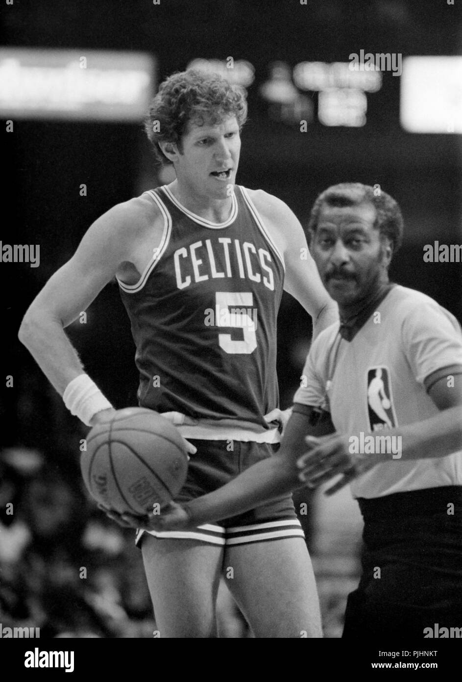 watch 2facd 7db60 Boston Celtics NBA star Bill Walton against the Chicago ...