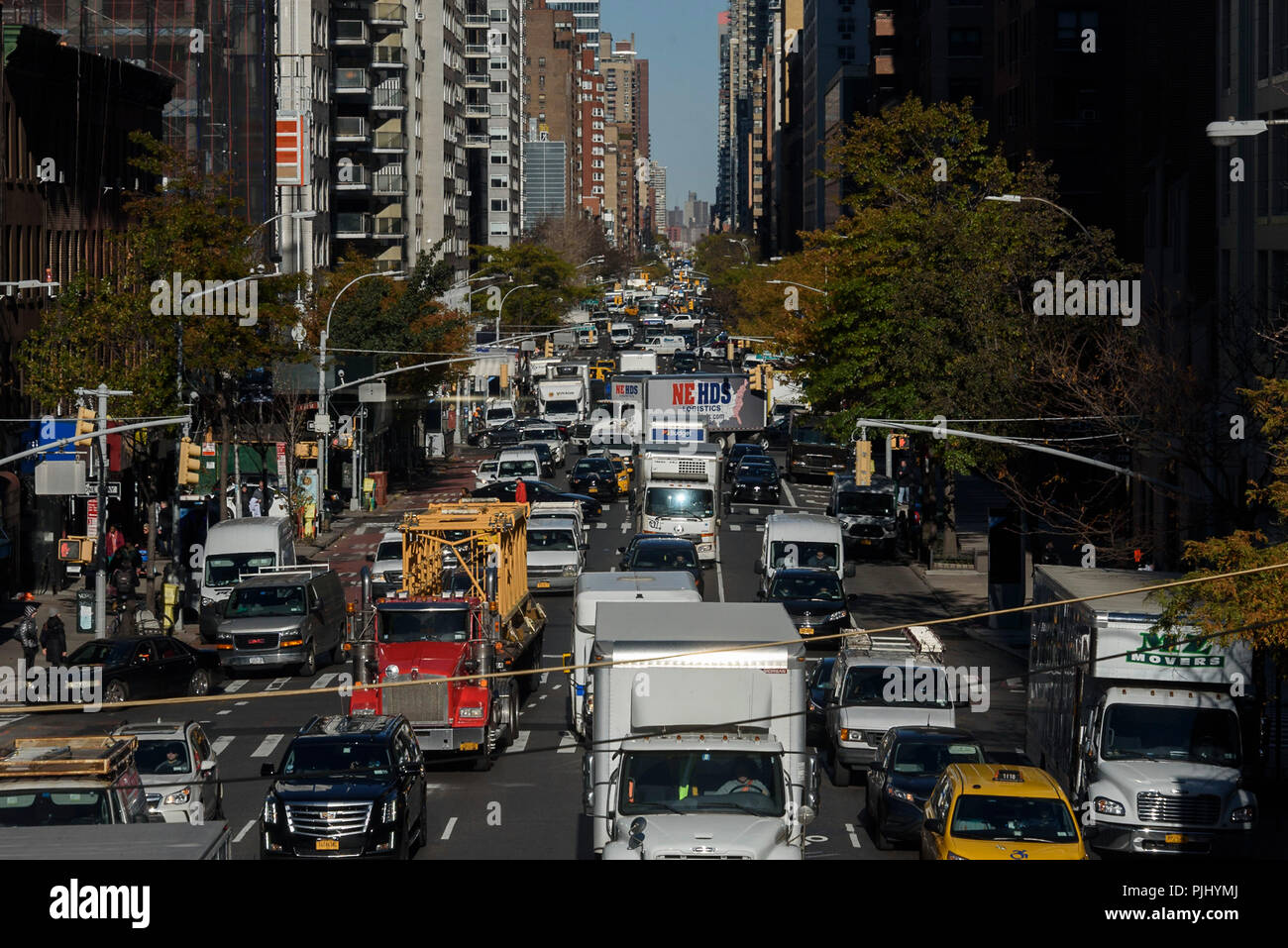 11-2017 New York, USA.  Traffic congestion on 1st Avenue near east 62nd street. Photo: © Simon Grosset - Stock Image
