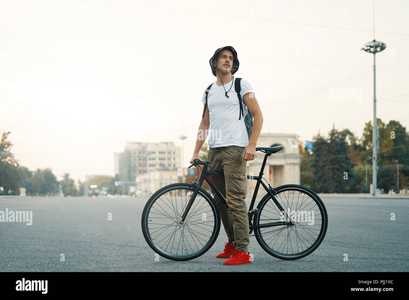 how to work bicycle courier