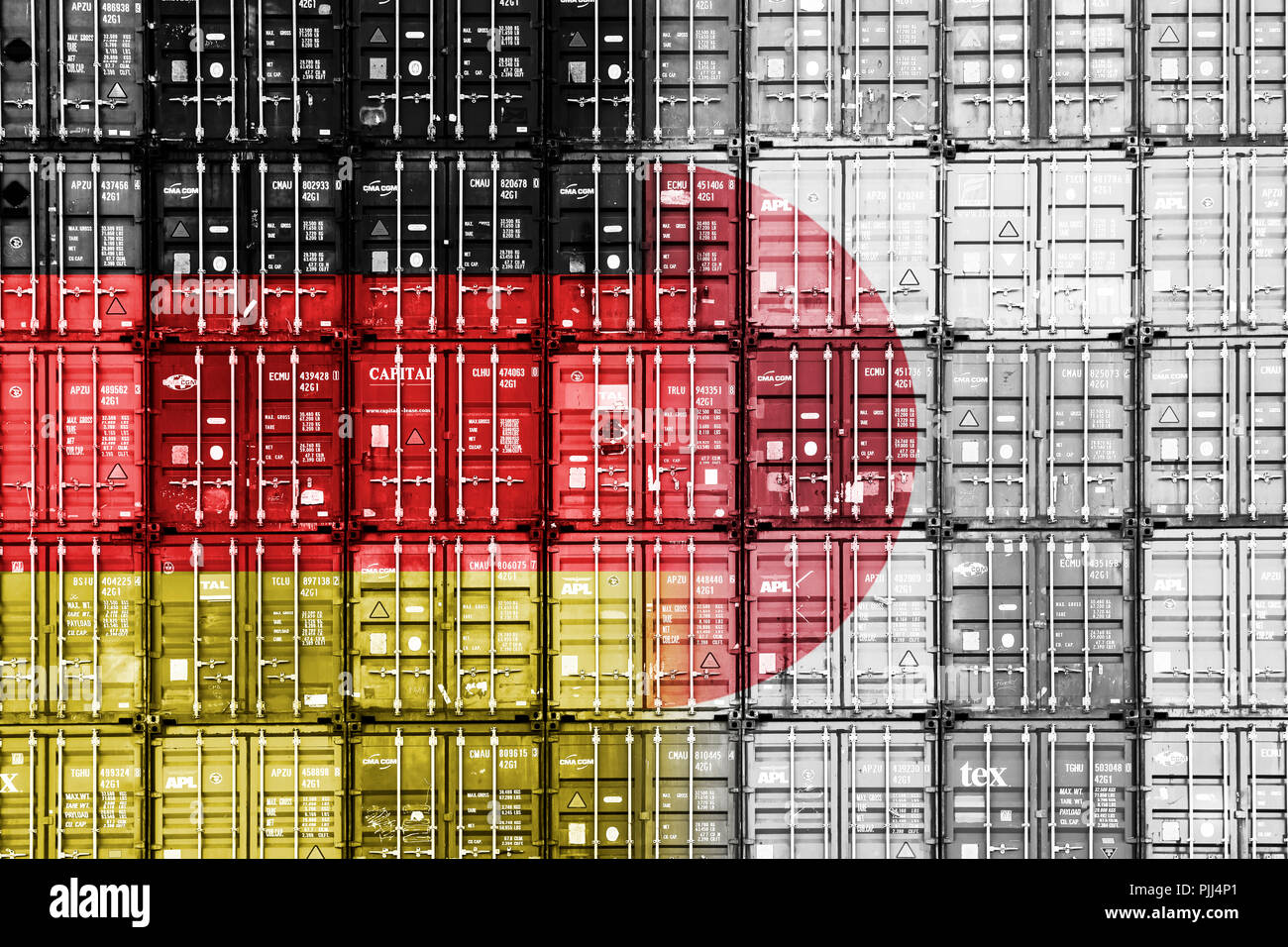 Stacked containers with the flags of Germany and Japan, symbolic photo free trade agreement JEFTA, Gestapelte Container mit den Fahnen von Deutschland - Stock Image