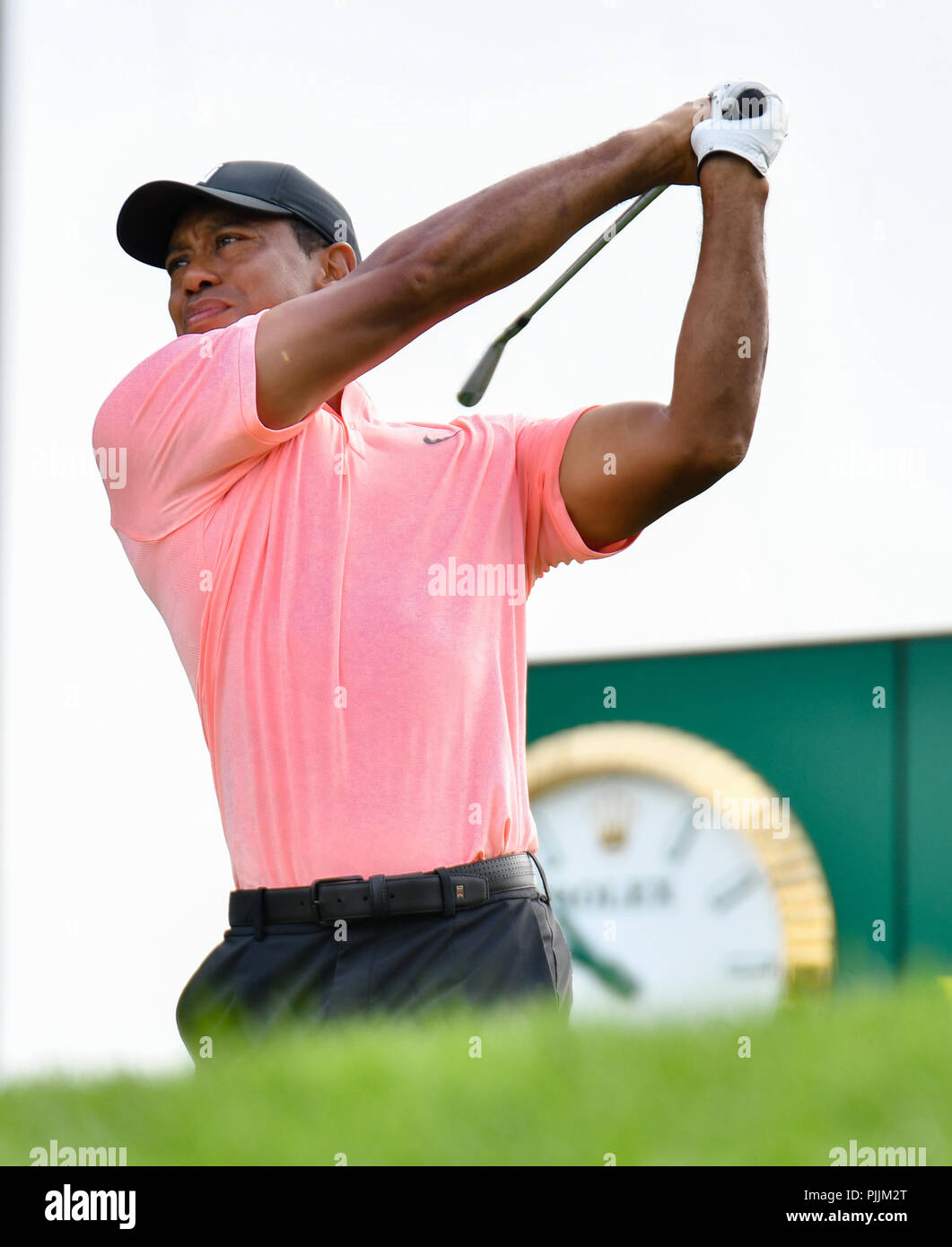 Newtown Square, Pennsylvania, USA: Friday September 7, 2018: Tiger Woods hits his tee shot on the 8th hole during the second round of the BMW Championship at Aronimink Golf Course in Newtown Square, Pennsylvania. Gregory Vasil/CSM Credit: Cal Sport Media/Alamy Live News - Stock Image