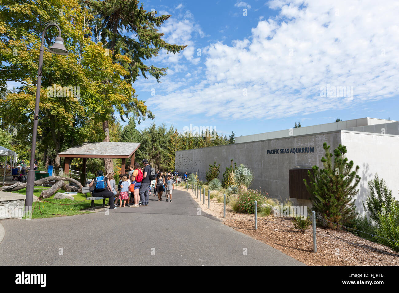Washington, USA. 7th September 2018.  Visitors gather at the grand opening of the Pacific Seas Aquarium at the Point Defiance Zoo & Aquarium. The aquarium opened to the public on September 7, replacing the former North Pacific Seas Aquarium as part of a $65 million investment in the park. Credit: Paul Christian Gordon/Alamy Live News - Stock Image
