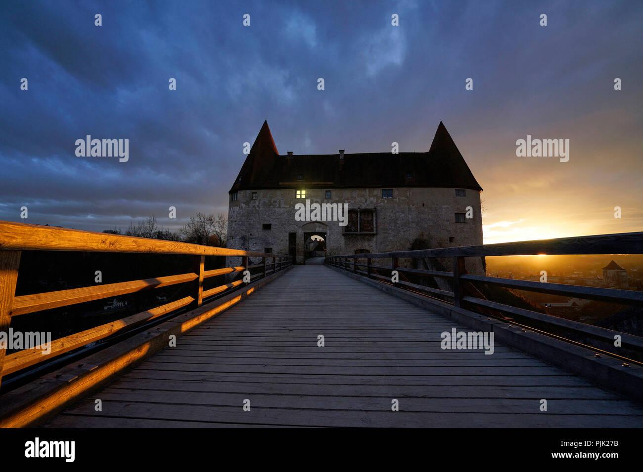 Germany, Bavaria, Upper Bavaria, Burghausen, castle, Georgstor, evening, sunset, dark, mystical - Stock Image
