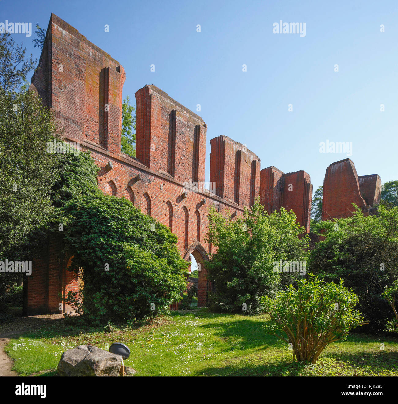 Ruin Hude monastery, monastery ruin, brick Gothic former Cistercian monastery, Hude, Lower Saxony, Germany, Europe - Stock Image