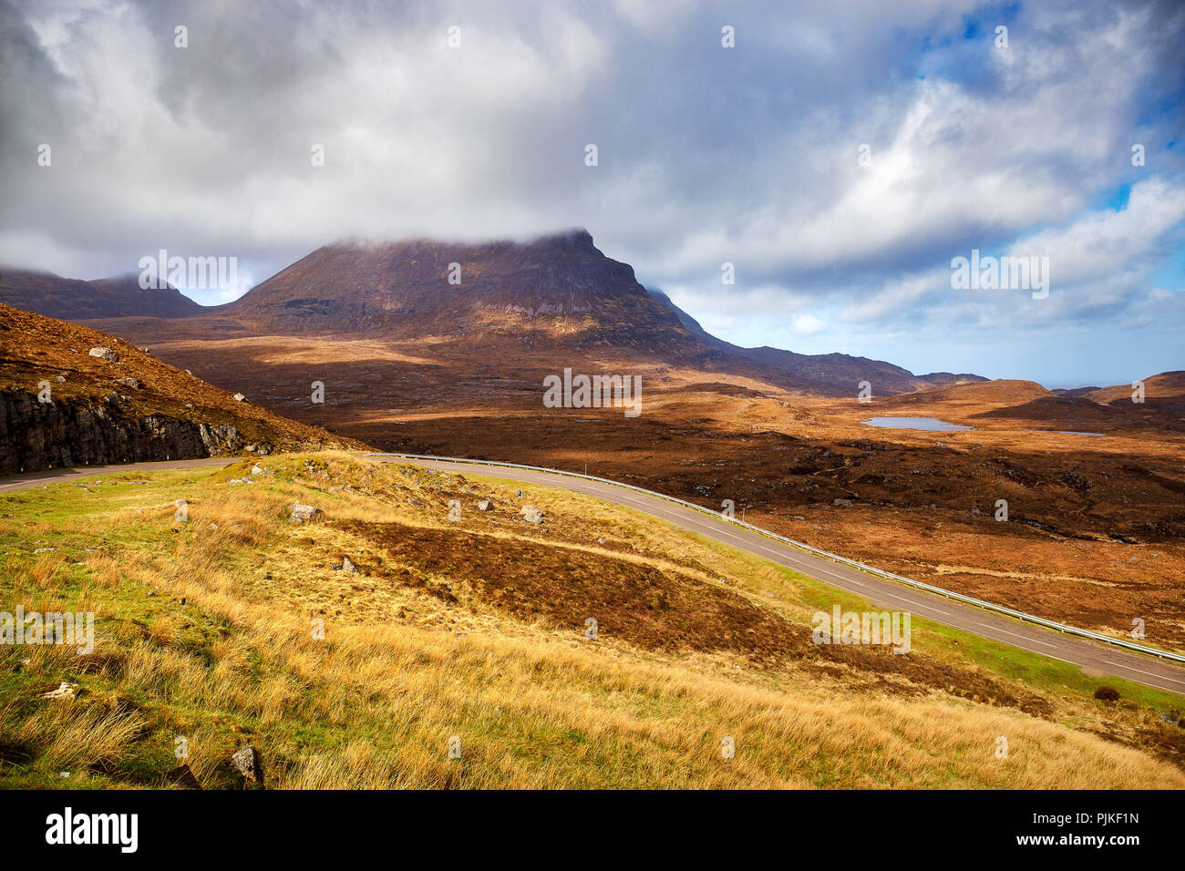 The highway A894 in the scottish highlands - Stock Image
