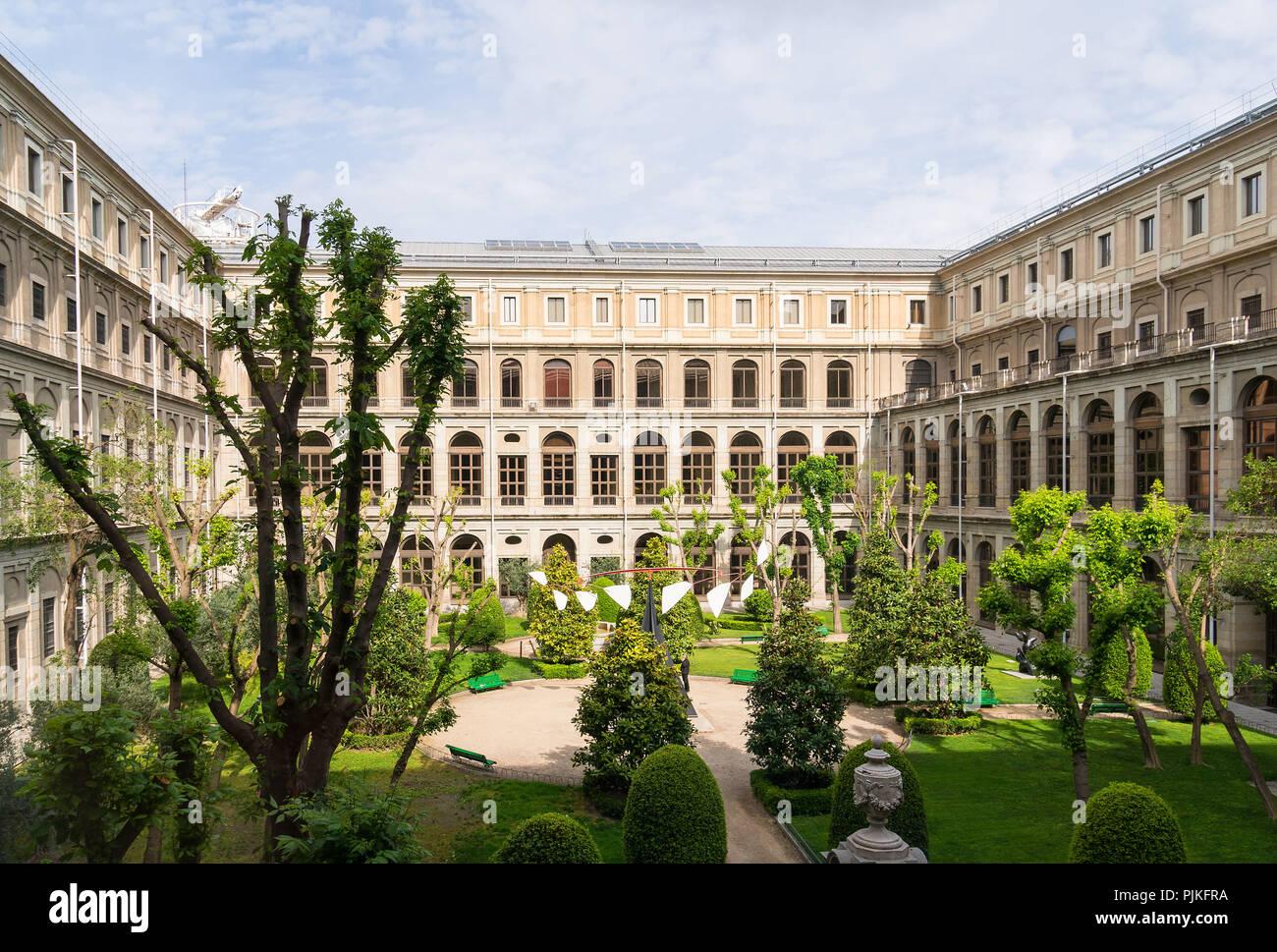 Museo Reina Sofia.Madrid Museo Reina Sofia Courtyard Stock Photo 218017726 Alamy