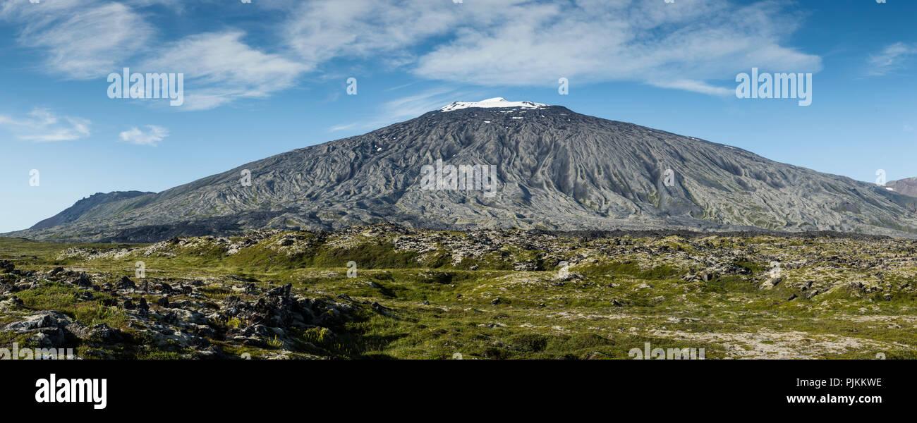 Iceland, Snaefellsjokull volcano, Stratovolcano, entrance of Jules Verne's Journey to the center of the earth, erosion, ice peak - Stock Image