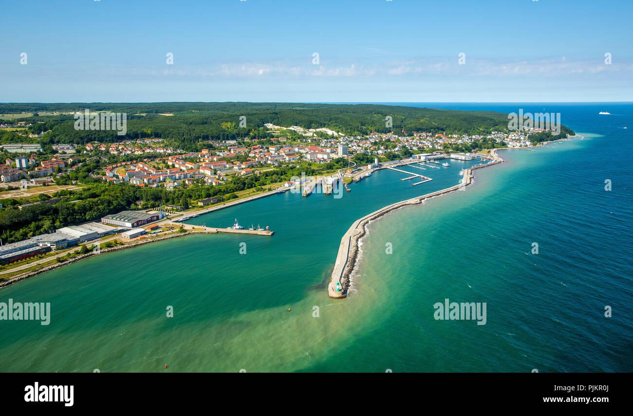Port of Sassnitz, pier, Hotel Fürstenhof on the sea promenade, spa style, Sassnitz, Rügen, Baltic Sea coast, Mecklenburg-Western Pomerania, Western Pomerania, Mecklenburg-Vorpommern, Germany - Stock Image