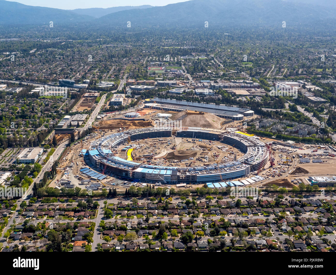 Apple Campus II, Round Building Site, Neo-Futurism, Neofuturism, Apple Inc, Lord Norman Foster Architect, Silicon Valley, Valley, California, United States of America, Cupertino, California, USA - Stock Image