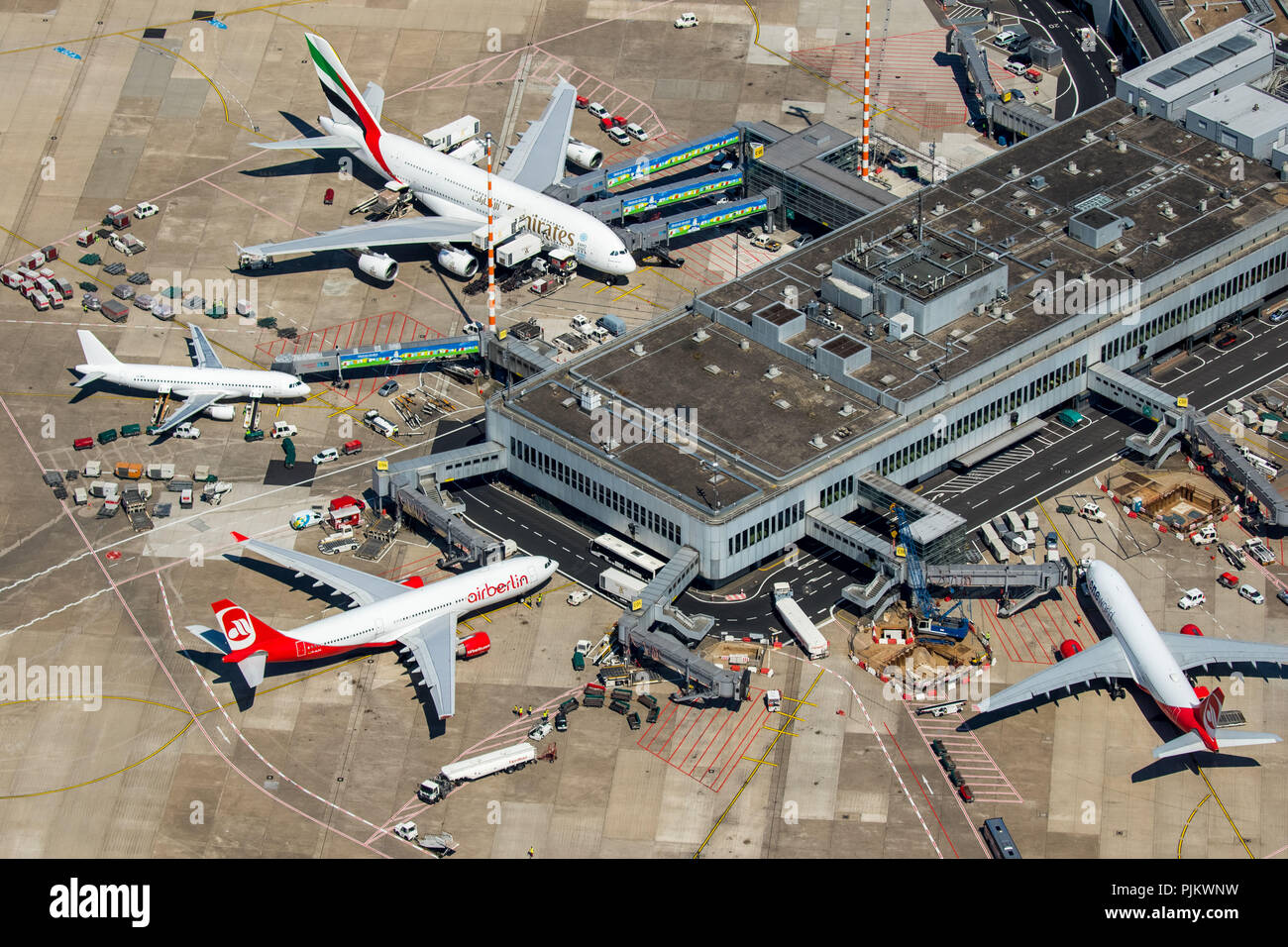 Dusseldorf Airport, Dusseldorf-Lohausen Airport, A6-EOB Emirates Airbus  A380-861, at the gate, Aircraft Finger, Dusseldorf, Rhineland, ...