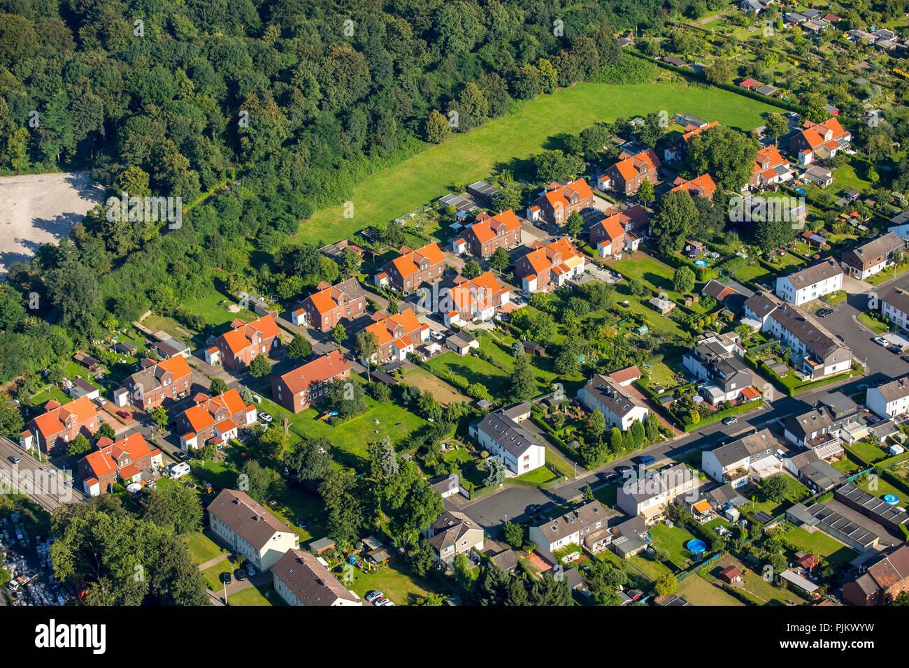 Essen-Katernberg Zollverein settlements with colony Hegemannshof, colony Ottekampshof and colony Zollverein III, Essen, Ruhr area, North Rhine-Westphalia, Germany - Stock Image