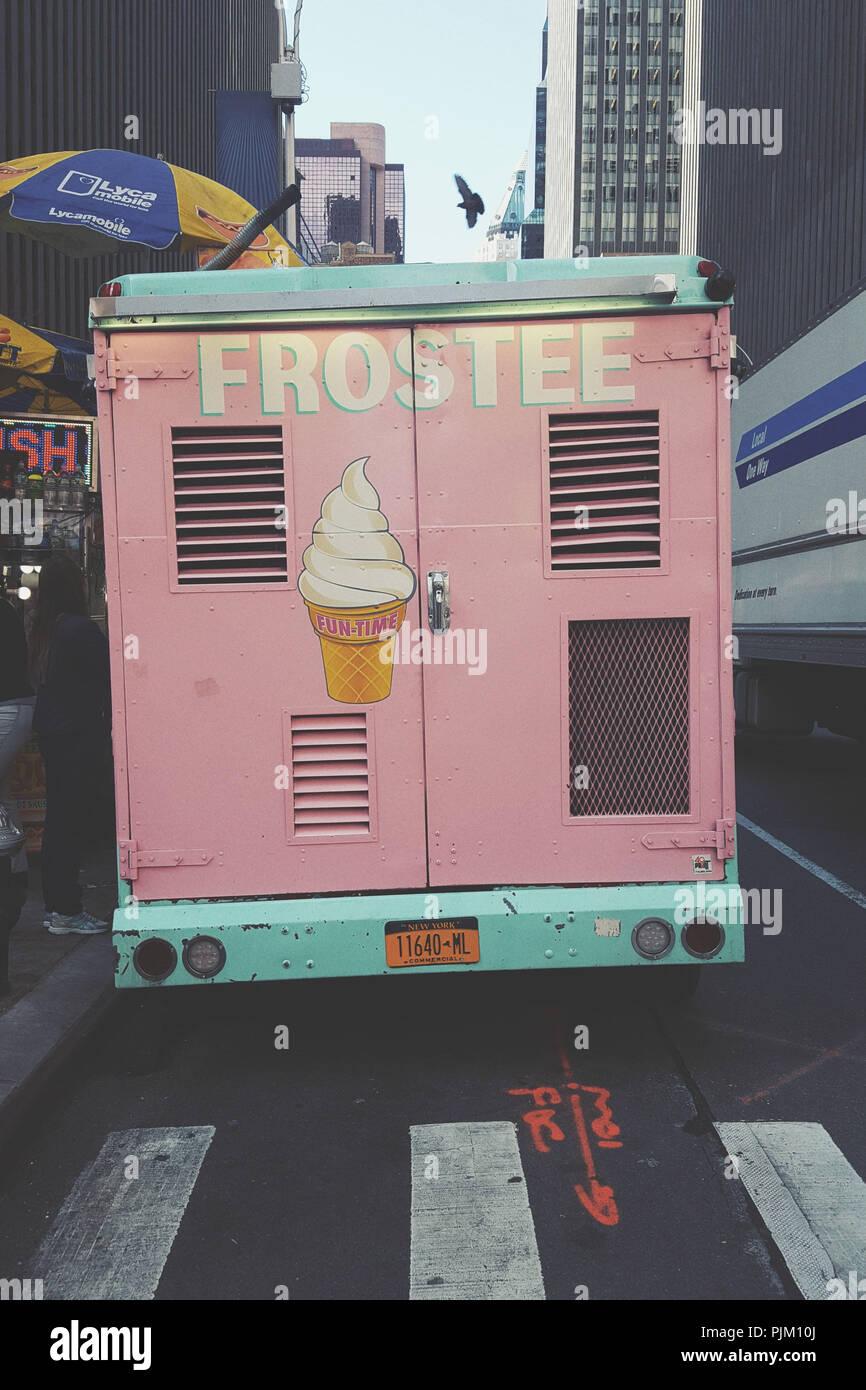 Backview of ice cream truck 'Frostee', New York City - Stock Image