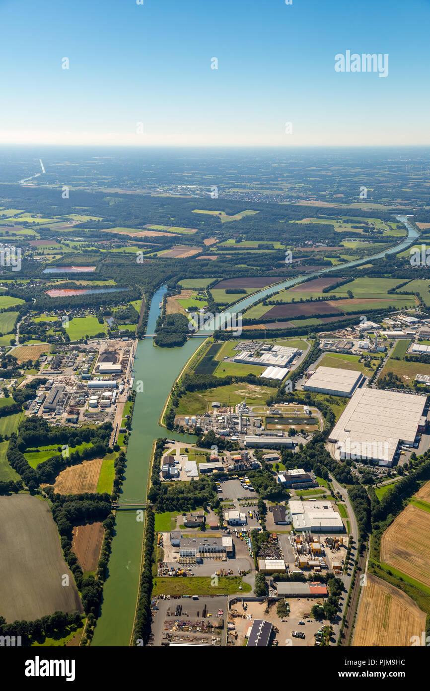 Lock at the Dortmund-Ems Canal, junction to the Mittelland Canal, canal junction, Am Nassen Dreieck, Ibbenbüren, North Rhine-Westphalia, Germany - Stock Image