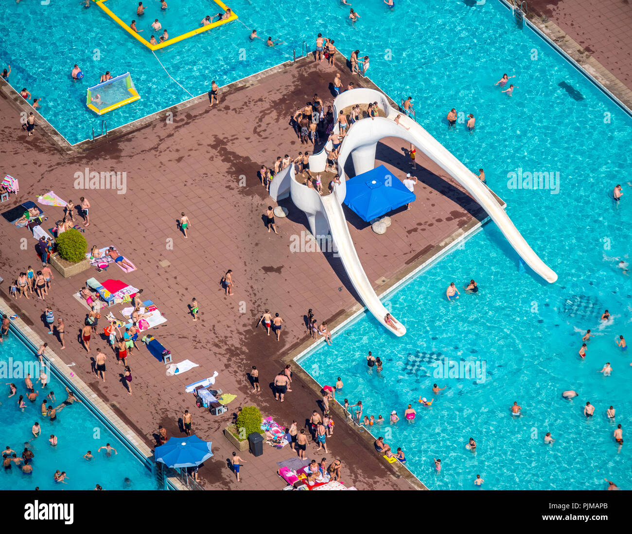 Inflatable Water Slides Naples Fl: Swimming And Sunbathing Area Stock Photos & Swimming And