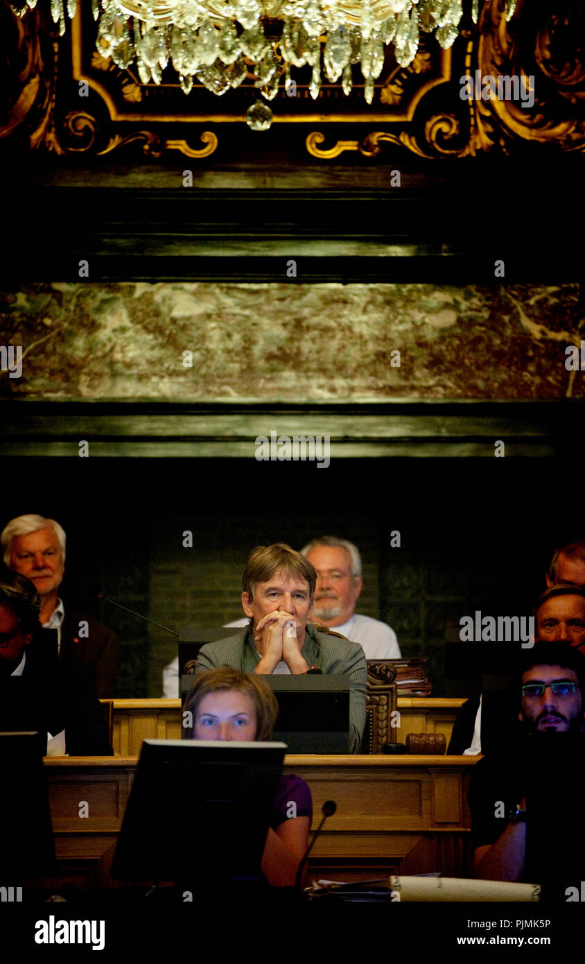 Mair of Antwerp Patrick Janssens during the extra meeting deciding about the Lange Wapper referendum (Belgium, 03/09/2009) - Stock Image