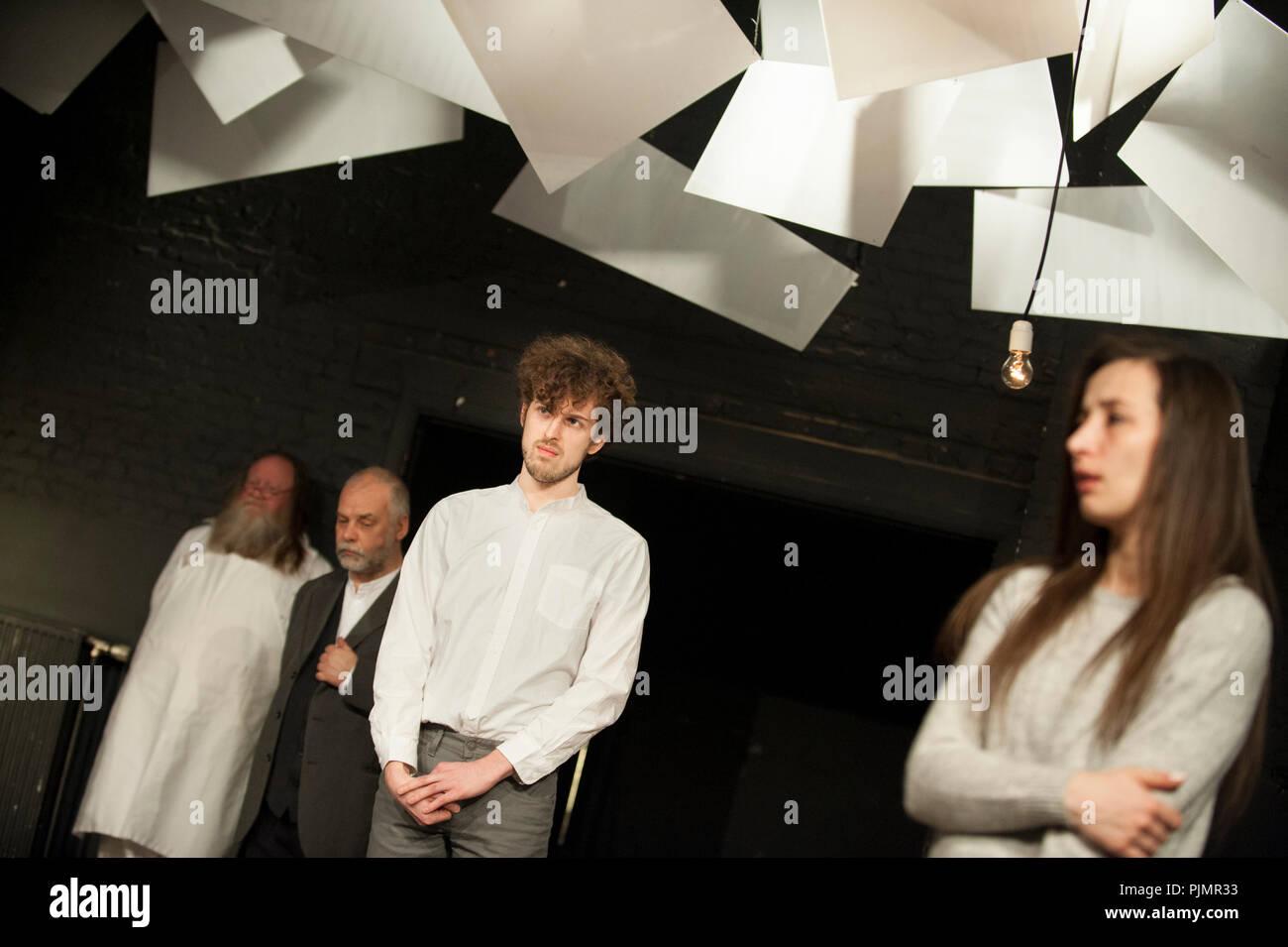 Theatre company De Reynaertghesellen playing Gute Leute, Nicht Brennen from Hilde Verboven, directed by Jan Schoolmeesters (Leuven, 02/03/2018) - Stock Image