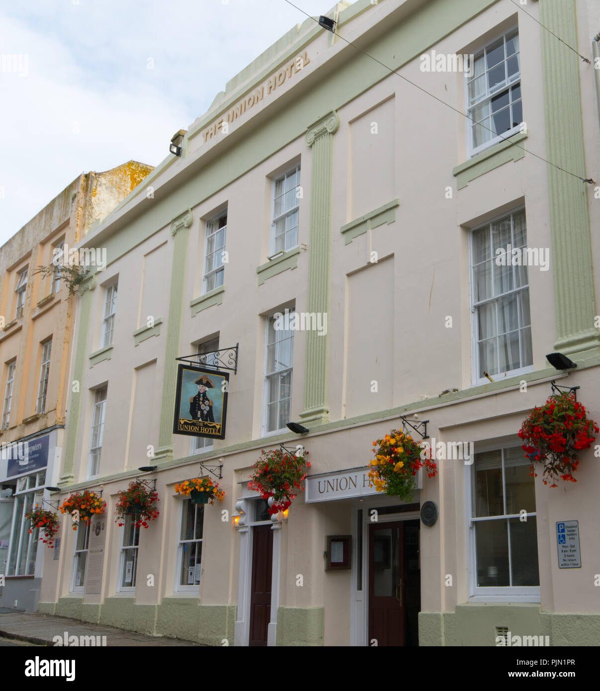 Front of the Union Inn Hotel on Chape Street in Penzance. Famously associated with Nelson - Stock Image