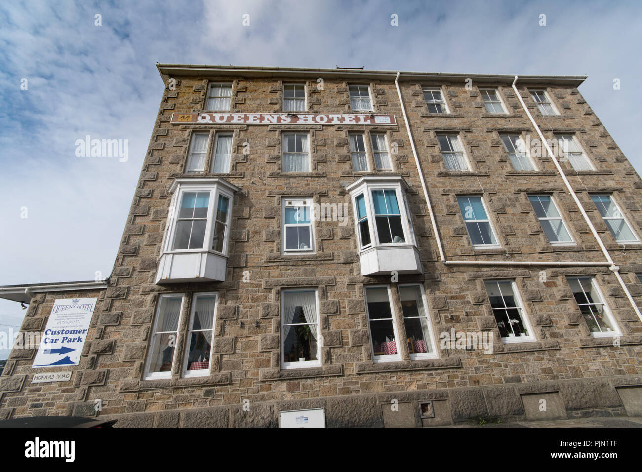 The Queens Hotel on Penzance sea front - Stock Image