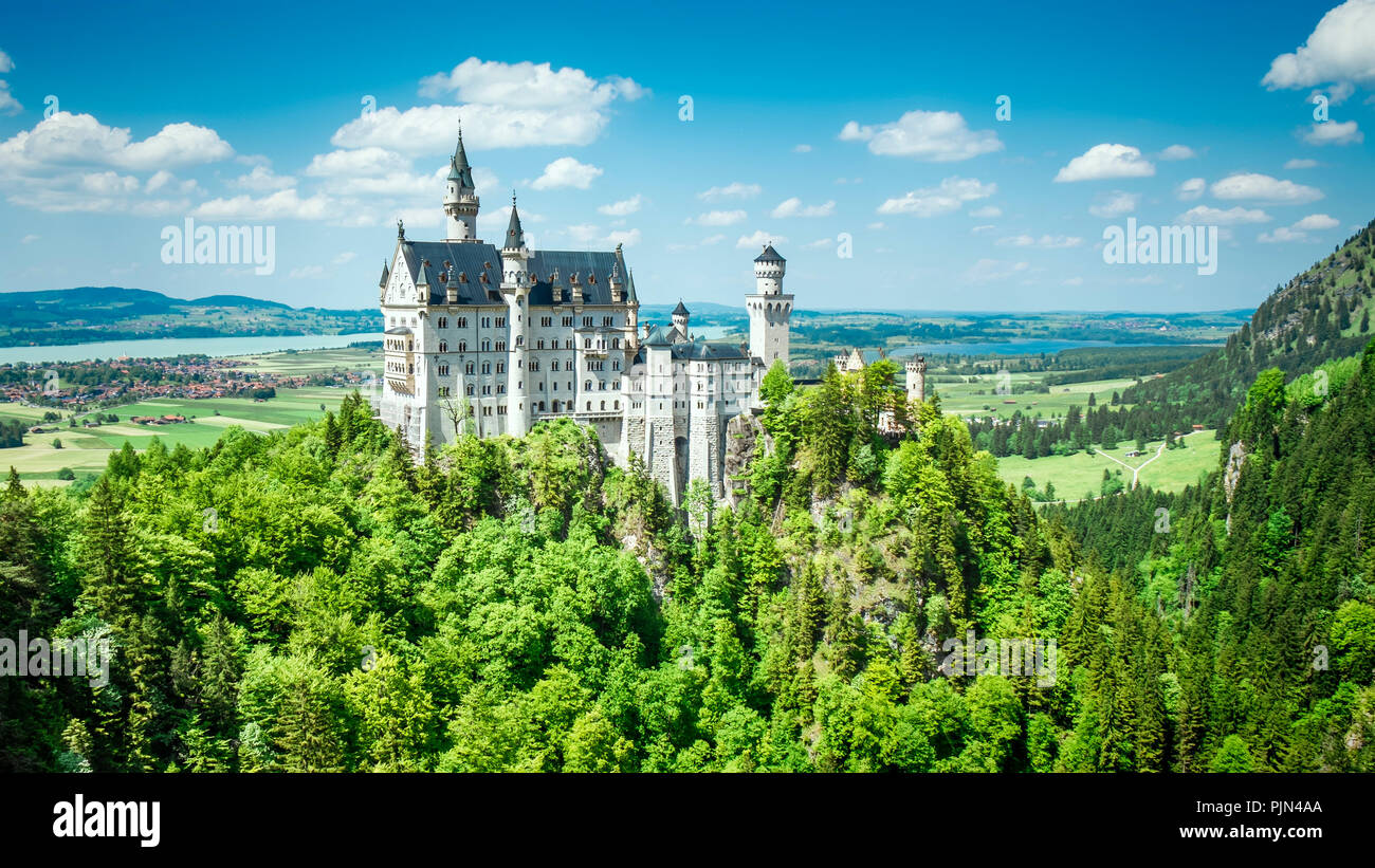 The wonderful castle New swan's stone in Bavaria, Germany, Das wunderschoene Schloss Neuschwanstein in Bayern, Deutschland - Stock Image