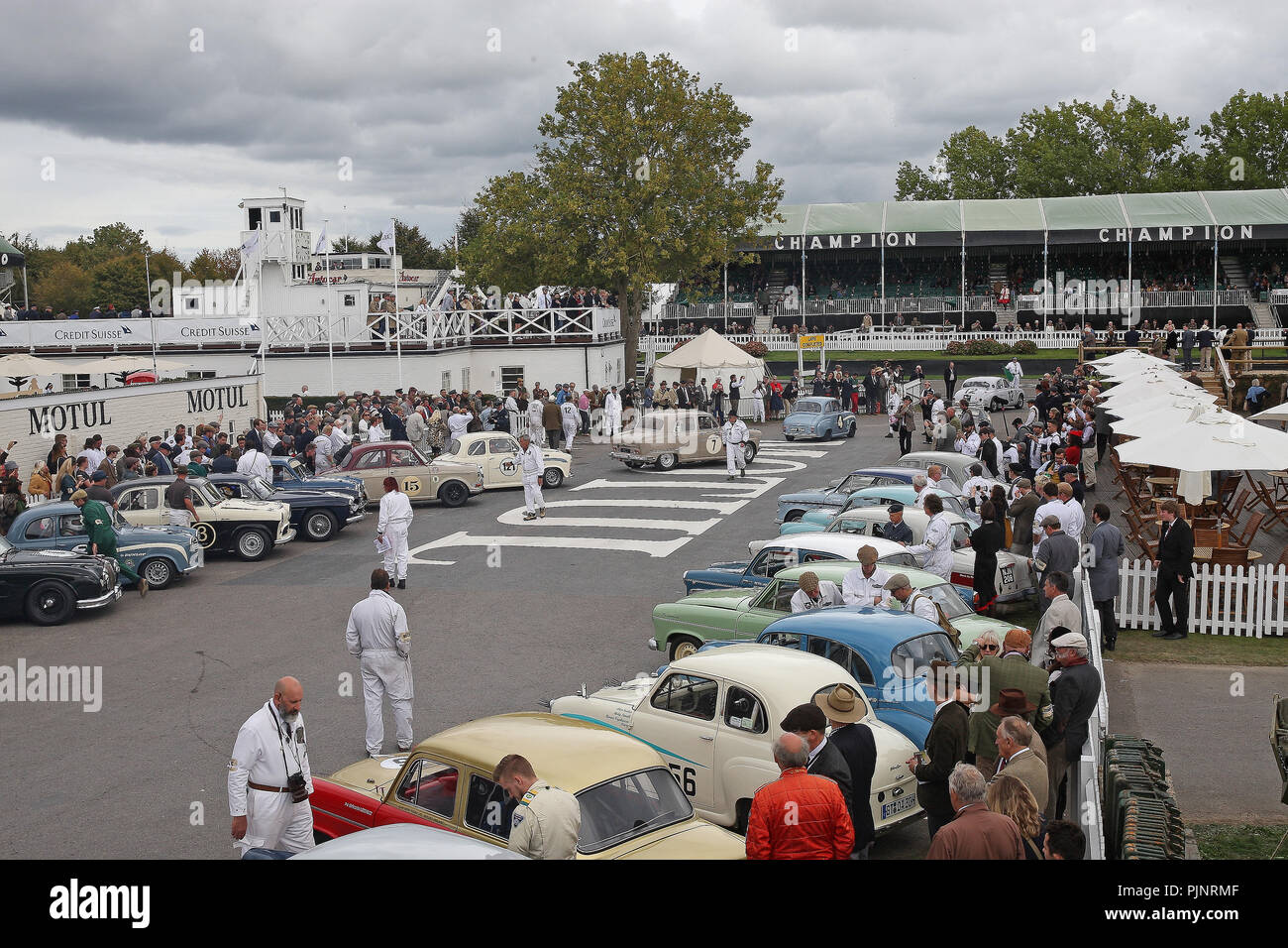 Goodwood, West Sussex, UK. 8th September 2018. cars joint the track for Jack Sears Memorial Trophy race at the Goodwood Revival in Goodwood, West Sussex, UK. © Malcolm Greig/Alamy Live News Stock Photo