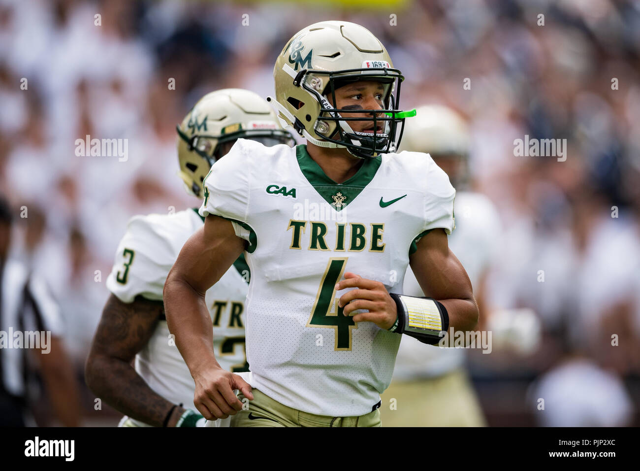 William Mary Tribe Quarterback Shon Mitchell 4 During The Ncaa