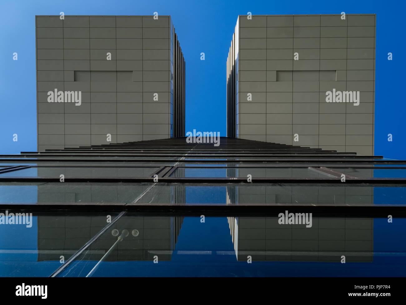 Kranhaus von unten - Cranehouse Crane House Cologen Köln Germany Architecture glass - Stock Image