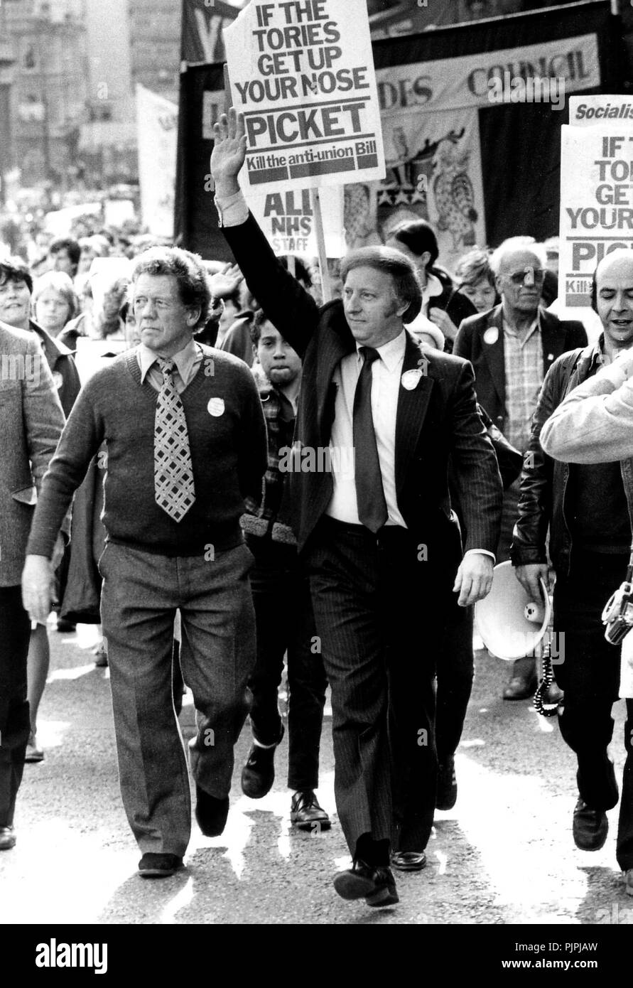 Arthur Scargill miners' leader with pickets - Stock Image