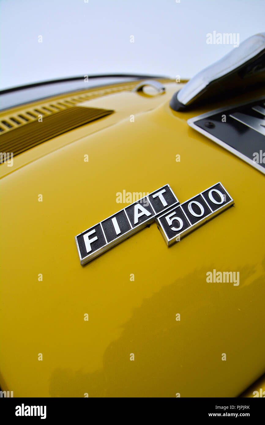 Close up picture of a classic Fiat 500 car - Stock Image