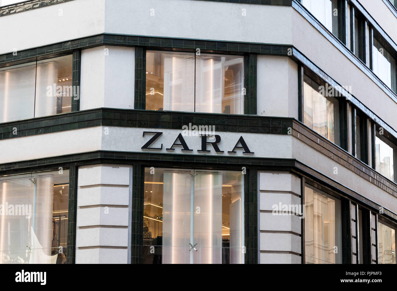 zara logo stock photos zara logo stock images alamy. Black Bedroom Furniture Sets. Home Design Ideas