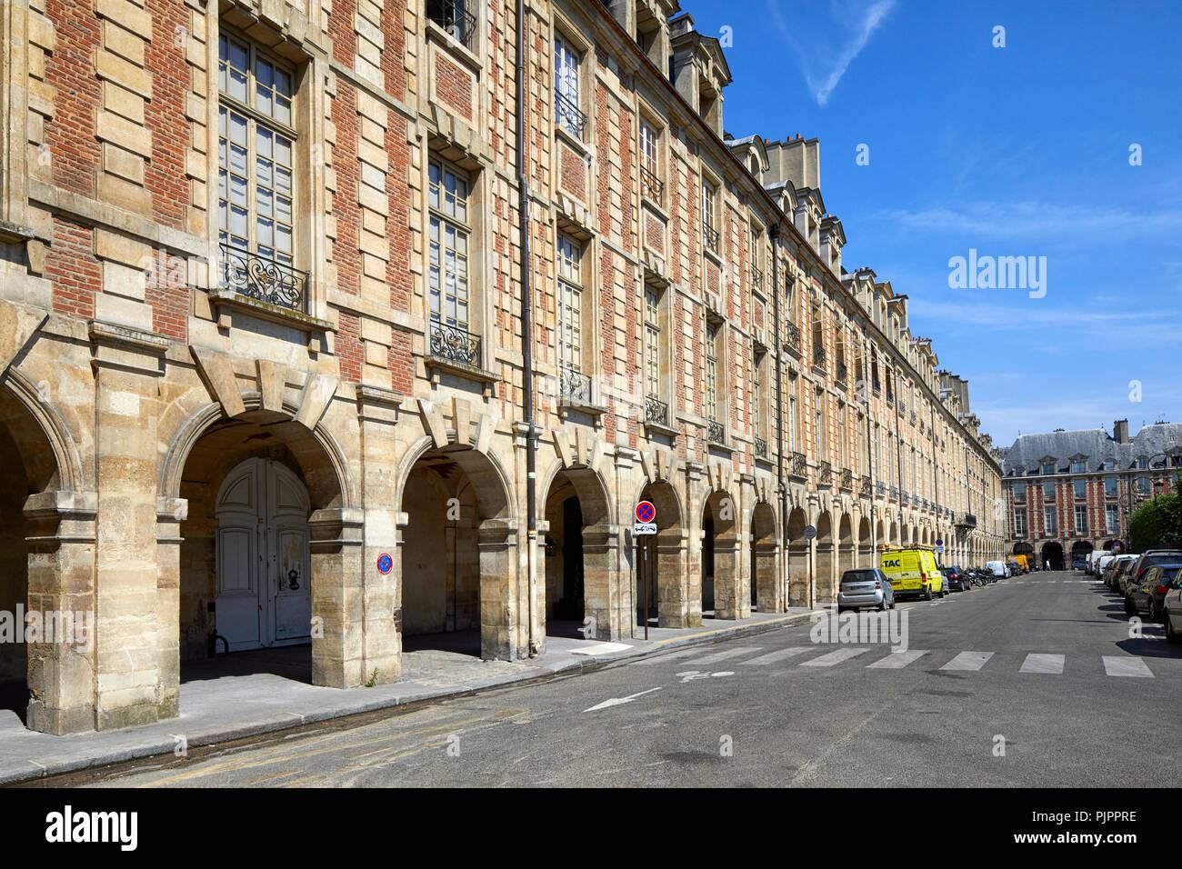 Place des Vosges, the oldest planned square in Paris, Marais district, Paris, France, Europe - Stock Image