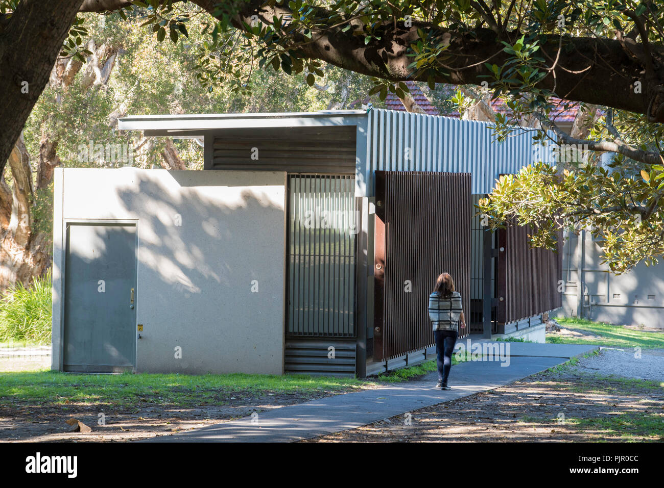 Public conveniences (toilets) in Centennial Park Sydney, Australia designed by the respected Architecture practice of Lahz Nimmo in Sydney - Stock Image