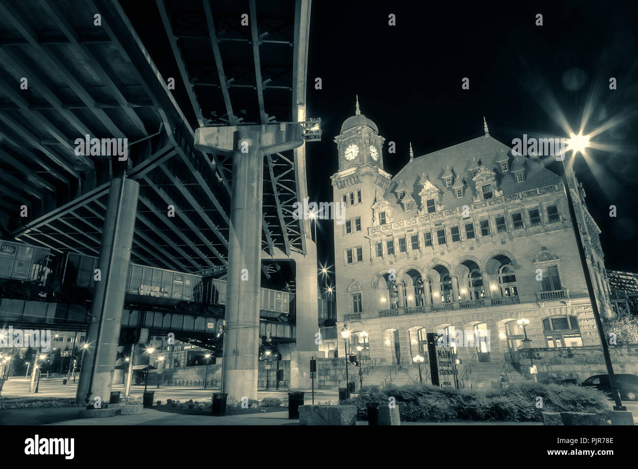 Main Station Building, with the highway bridge in Richmond, Virginia, United States. - Stock Image