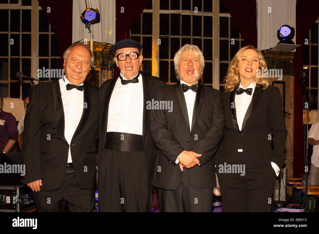 (v.l.) Wilfried Schmickler, Uwe Lyko als Herbert Knebel, Jürgen Becker, Susanne Petzold - Stock Image