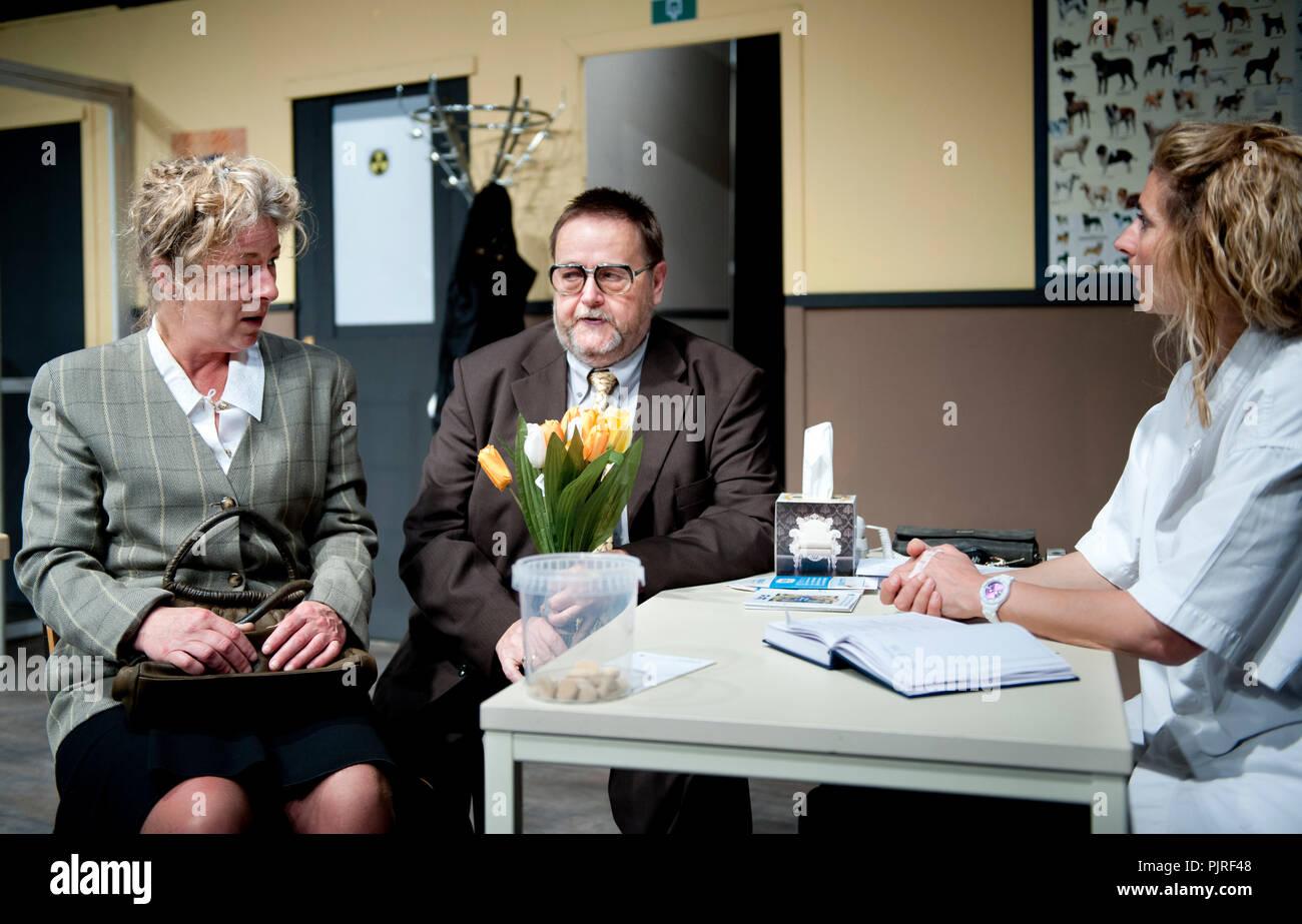 Theatre company Willen Is Kunnen playing 'Milleke Van Heule' from Hilda Vleugels, directed by Jean-Pierre Leonard (Belgium, 26/03/2014) - Stock Image