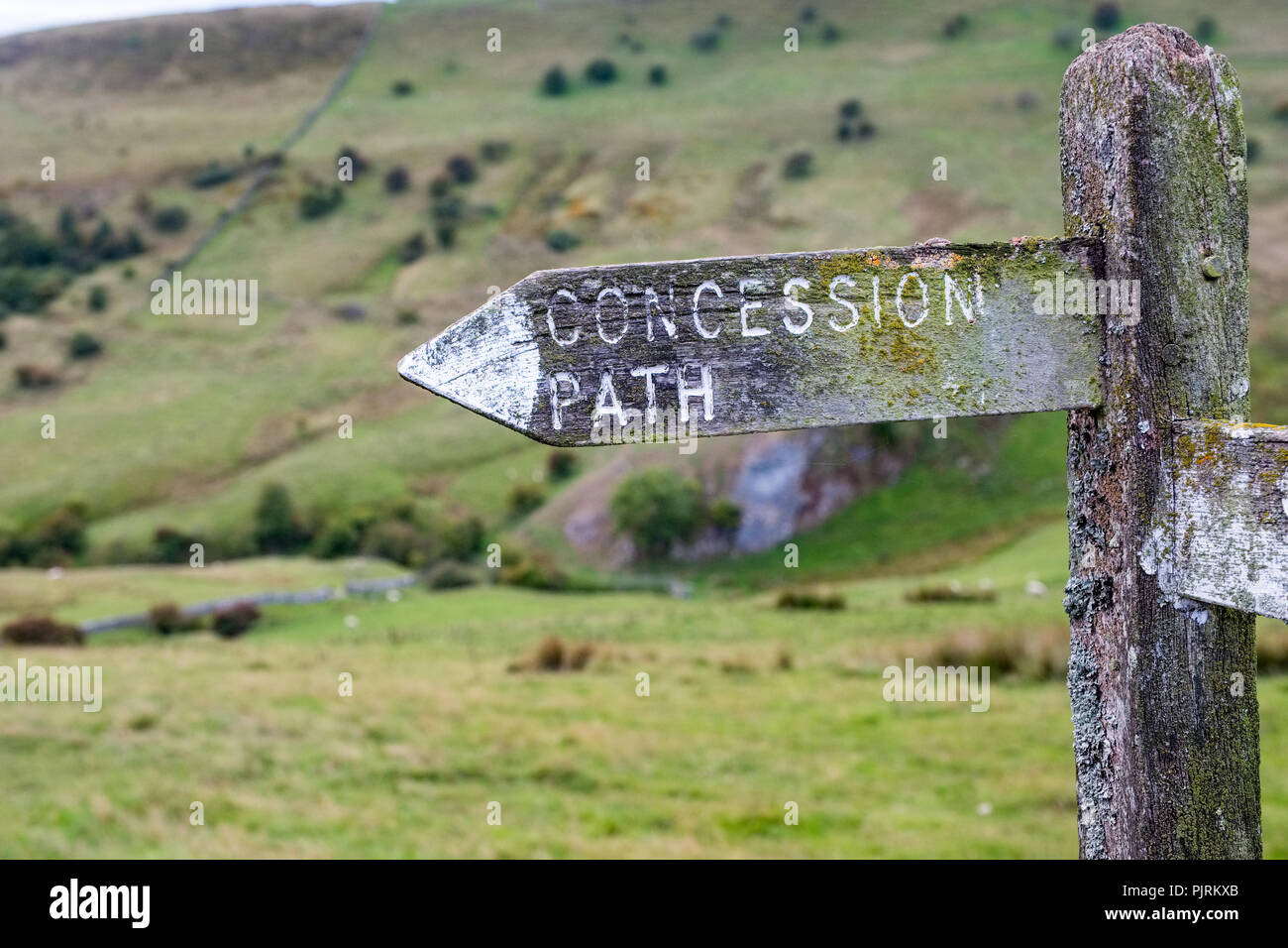 'Concession Path' Fingerpost in the Peak District National Park - Stock Image