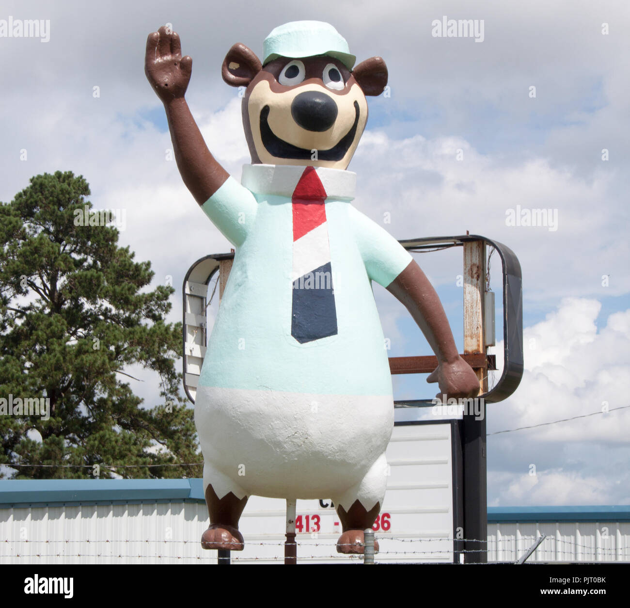 Yogi Bear Cartoon High Resolution Stock Photography And Images Alamy