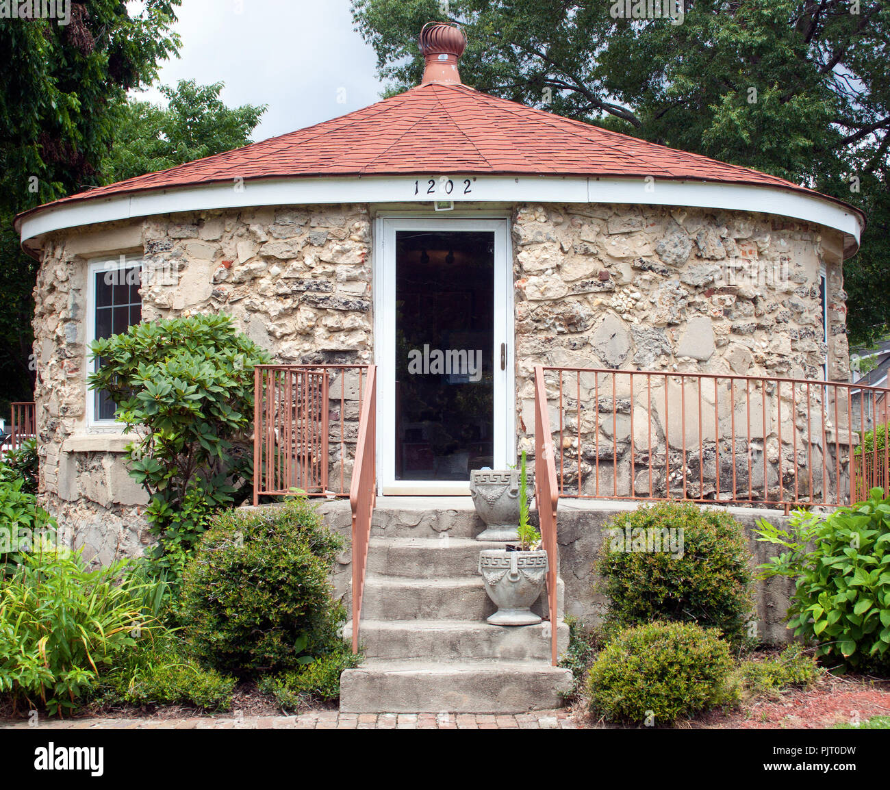 Old stone round house in Wilson North Carolina - Stock Image