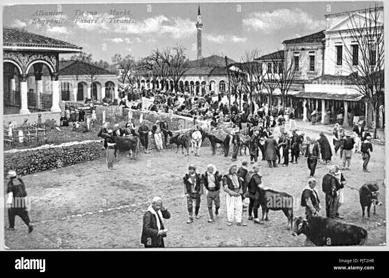Bazar Tirana (ca. 1900). - Stock Image