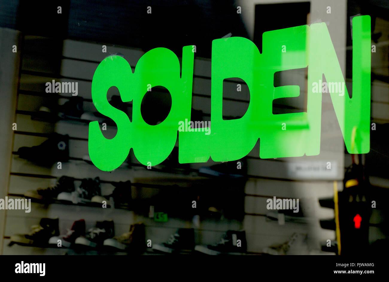 A summer Sales sign on a shop window in Antwerp (Belgium, 24/07/2008) - Stock Image