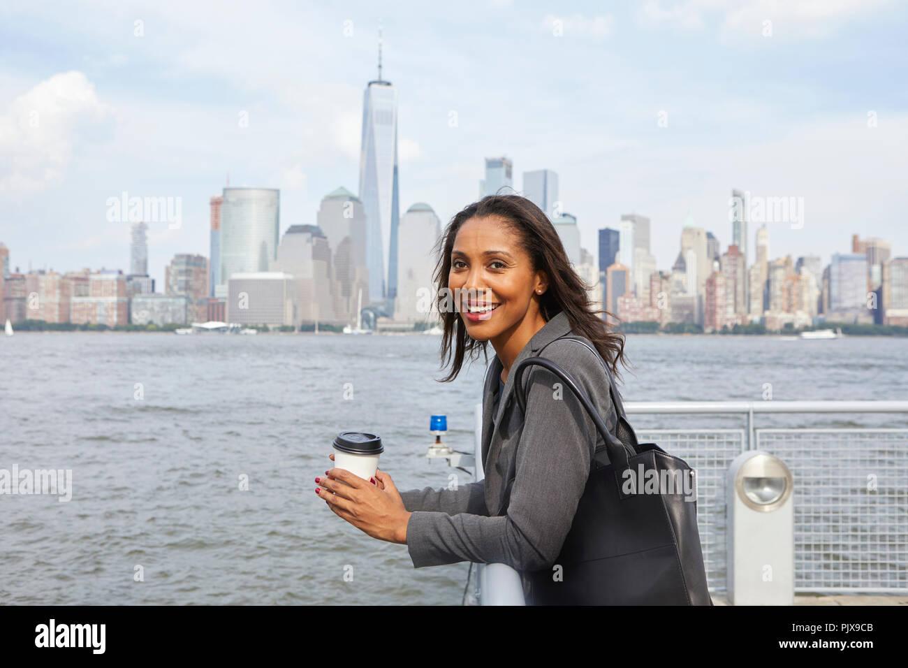 Take Break Coffeebreak : Businesswoman taking coffee break new york city skyline in